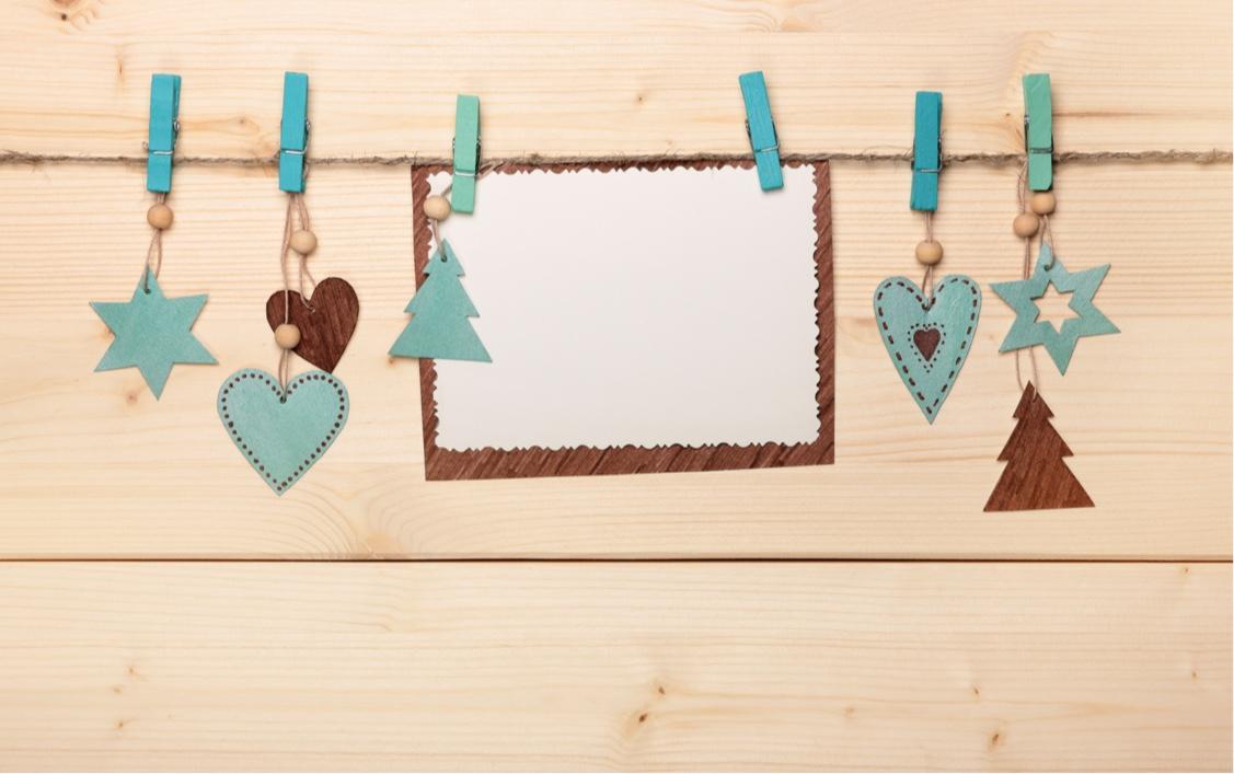 Holiday card hang-ups